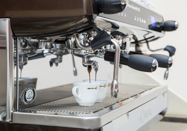 La Cimbali M34 Selectron DT/2, Профессиональная кофемашина эспрессо автомат с 2-мя группами (бойлер: 10 л)